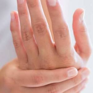 Get Rid of Dry and lifeless Hands in Winter Season