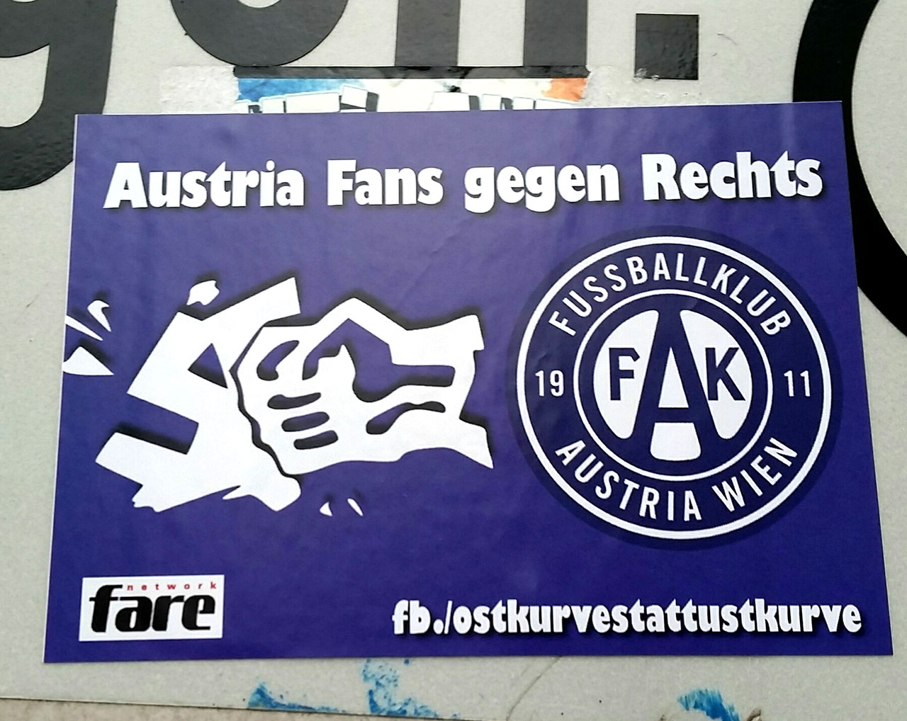 Rapid und Antifa Sticker
