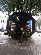 2015-10-09 13.59.21-bomb monument-1