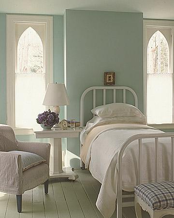 2 Serene Powder Blue Farmhouse Style Guest Bedrooms Tudorks
