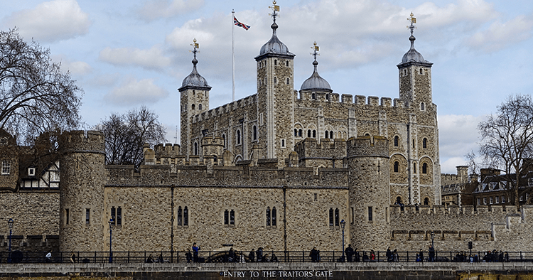 5 Top Reasons to Visit the Tower of London
