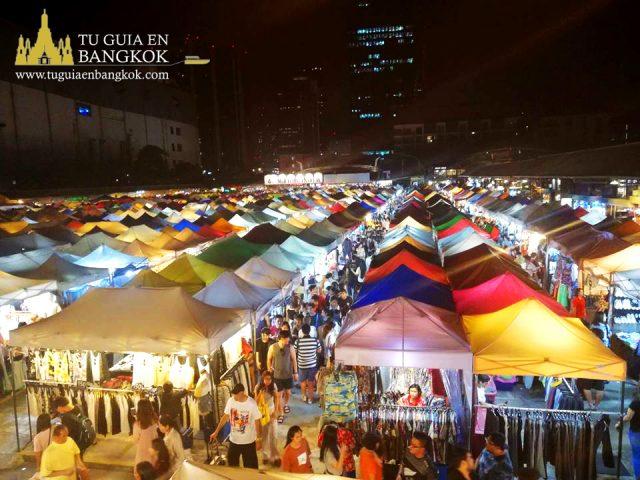 Mercado de noche en Bangkok