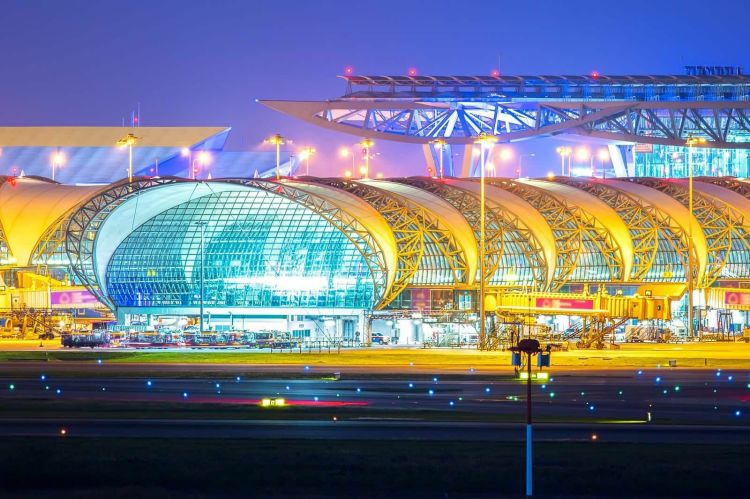 Viajeros internacionales autorizados a transitar por Tailandia desde el lunes.
