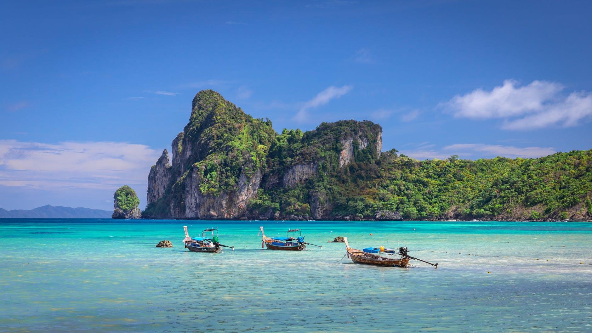 Isla de Phuket, un paraíso sin apenas turismo en 2021.
