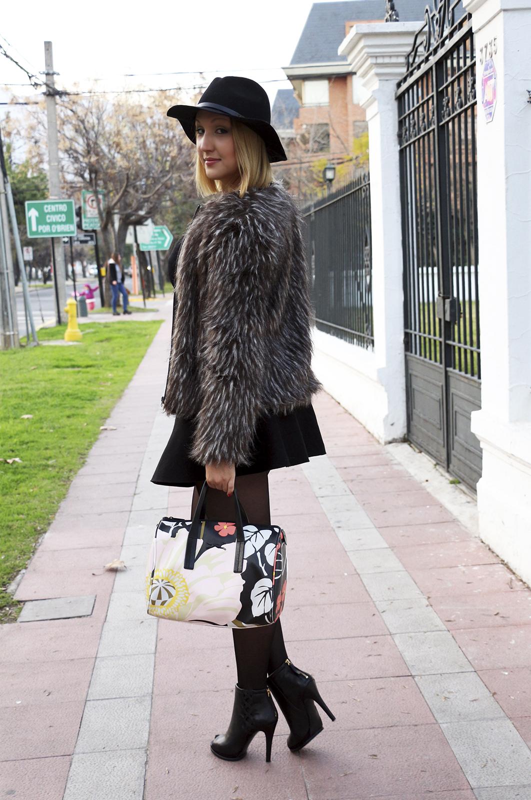 peludos-mas-presentes-que-nunca-streetstyle-tu-guia-fashion-4
