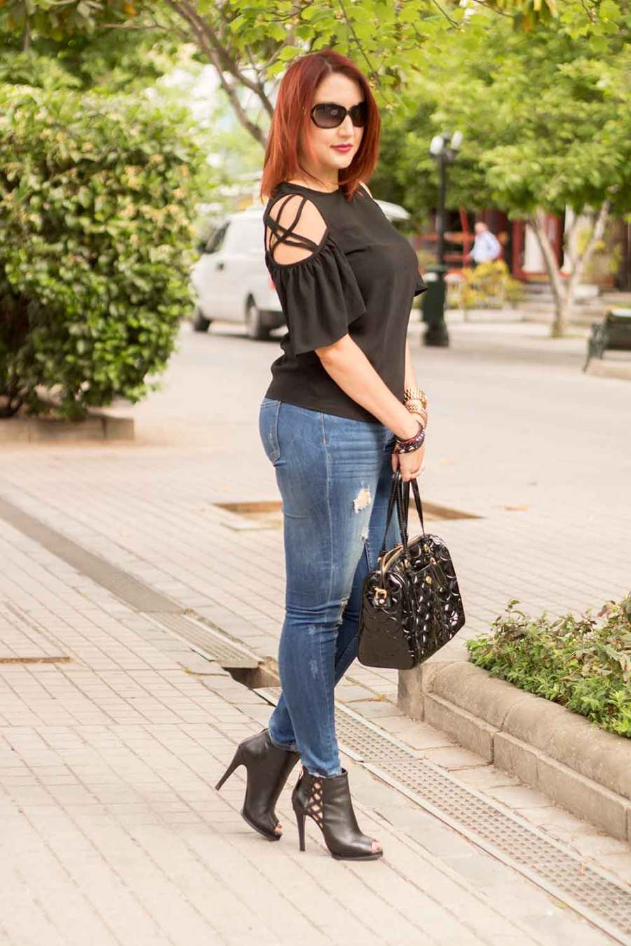 luce-tus-hombros-con-un-off-shoulder-mas-sutil-tu-guia-fashion-2