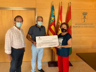 200725 LRO, Entrega donativo a Cáritas
