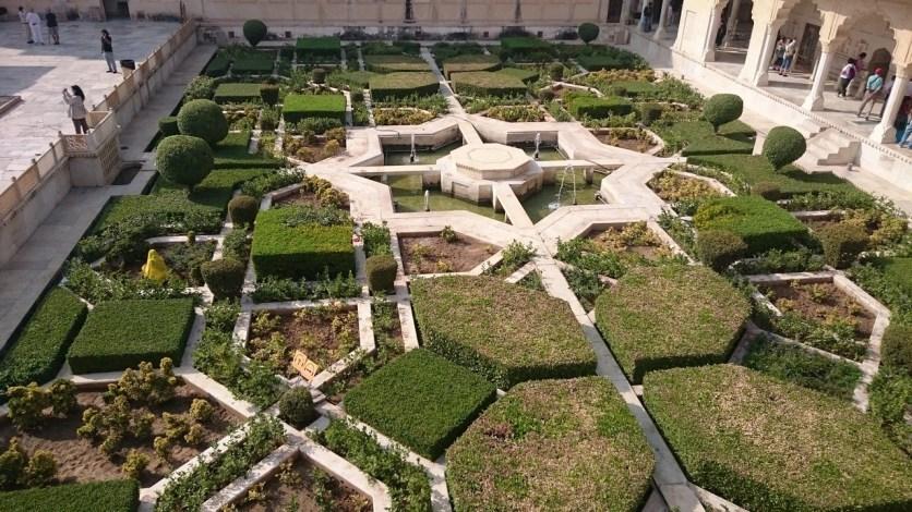 Bonito jardín, fuerte Amber, Jaipur