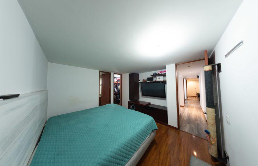 Se vende Apartamento en Pontevedra Bogota de 103m2 Habitación