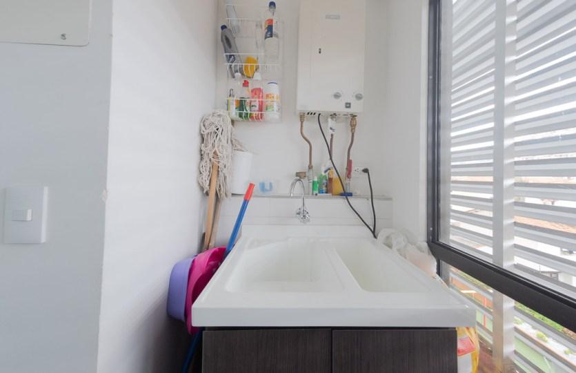 Se vende apartamento en Cedritos 3er piso - Patio ropas