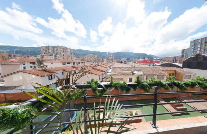 Se vende apartamento en Cedritos 3er piso - Balcón