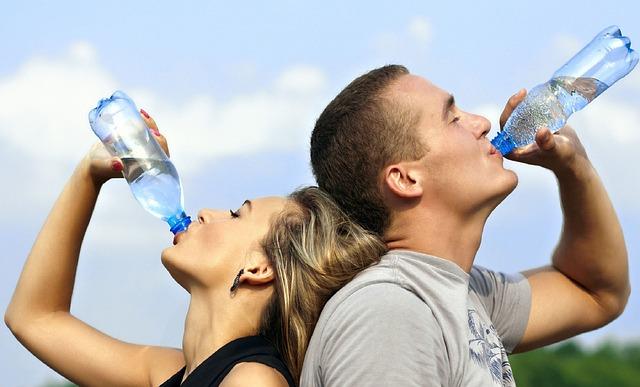 Por qué la hidratación es buena para la salud dental