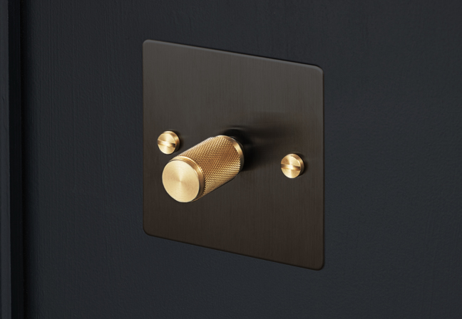 Buster_and_Punch_black_d_1_smoked_brass