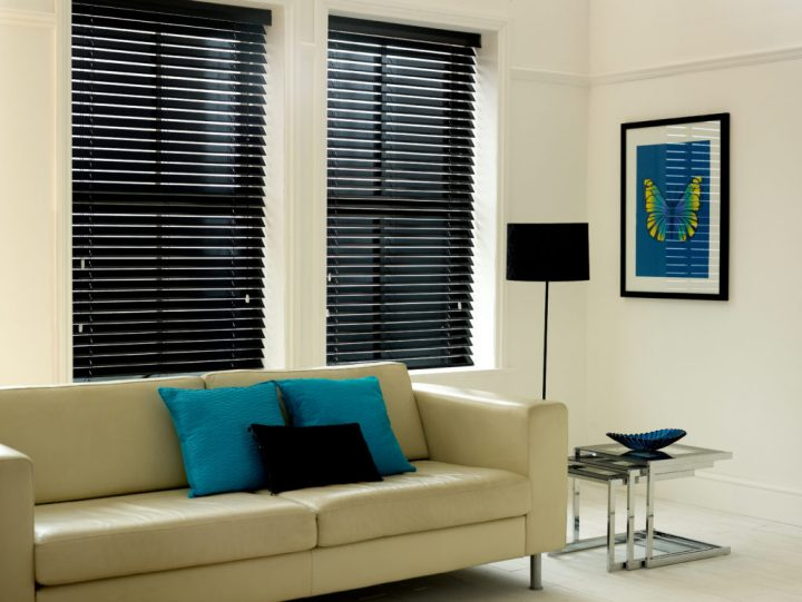 blinds venetian faux wooden vs wood tuiss pros lacquered blind