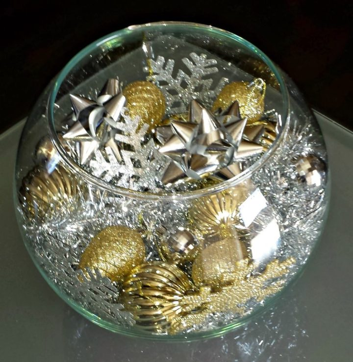 christmas-centerpiece-silver-diy