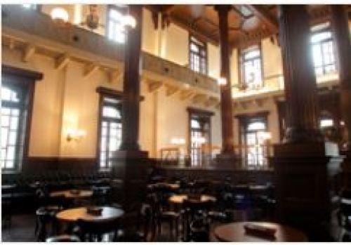 丸の内のレストランCAFE1894の内観