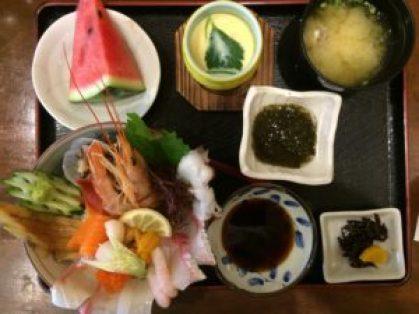 糸島の「朝日屋」の海鮮丼④
