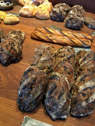 福岡のハード系のパン屋