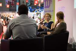Pierre Fankhauser, Marianne Brun et Anne Brécart sur la scène de la Place suisse du Salon du livre de Genève © Sandra Hildebrandt