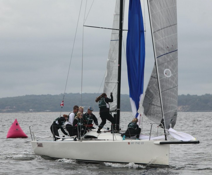 Members+of+the+Tulane+club+sailing+team+battle+the+waters+of+Lake+Pontchartrain.+Although+the+team+is+still+building+and+lacks+official+coaching%2C+the+sailing+team+will+be+sending+members+of+it%27s+team+to+nationals%2C+and+hopes+to+expand+further+in+the+future.