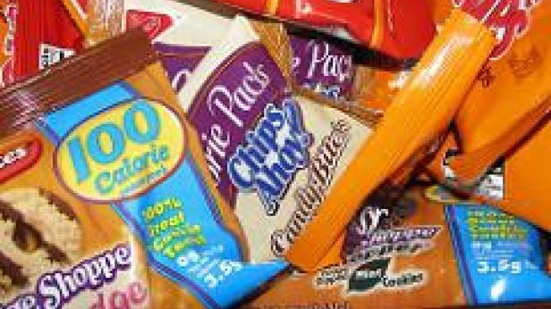 Best Healthy Snacks for Your Mardi Pack