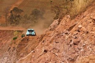FD Rally Team durante etapa 3. Crédito: Sanderson Pereira/Photo-S