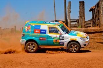 Carro #69 durante prova deste sábado, em Votuporanga/Magda. Foto: Alex Rayol
