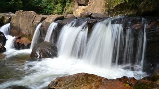 Quedas da cachoeira pública Pedro David