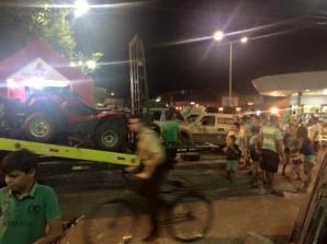Estrutura de apoio da equipe em plena praça central de Iguatu. Foto: Araponga Rally