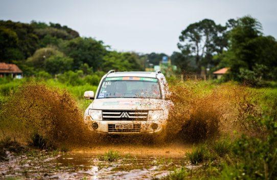 Lama e muitos desafios estarão presentes no Mitsubishi Motorsports Crédito: Adriano Carrapato / Mitsubishi