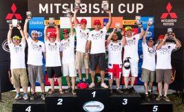 No final de cada etapa, os melhores de cada categoria são premiados Crédito: Tom Papp / Mitsubishi