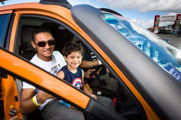 Rali tem espaço para diversão entre famílias e amigos Crédito: Tom Papp / Mitsubishi