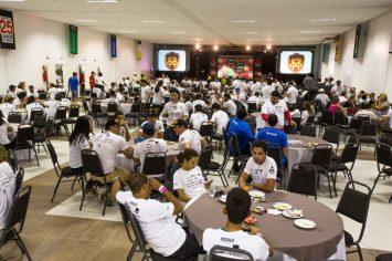 Depois da trilha, participantes se reuniram para um almoço de confraternização Crédito: Tom Papp / Mitsubishi