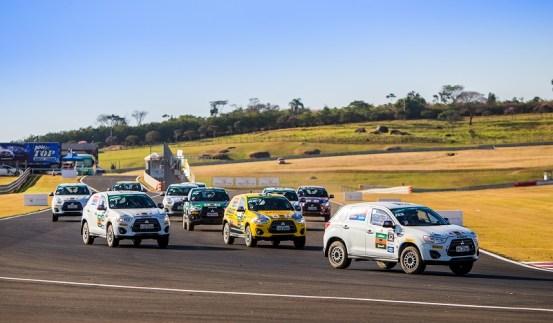 Velo Città foi palco de disputas divertidas entre os carros de rali Crédito: Marcio Machado/Mitsubishi