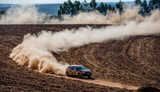 Poeira marcou a 4ª etapa, realizada em Mogi Guaçu Crédito: Cadu Rolim/Mitsubishi