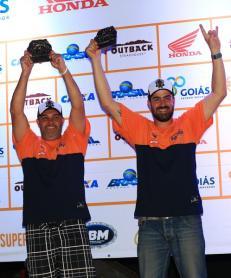 Bianchini/Santos comemoram o 2o. no pódio da Protótipos T1 (Marcelo Machado/Fotop)