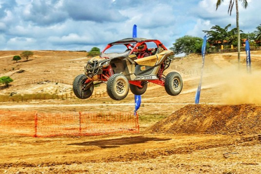Lucas Barroso e o novo UTV Can-Am Maverick X3 X RS no Rally X-Fight Crédito: Youth Jampa/Terrabella Racing