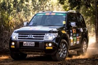 Trilhas e estradas desafiam os competidores. Foto: Adriano Carrapato / Mitsubishi