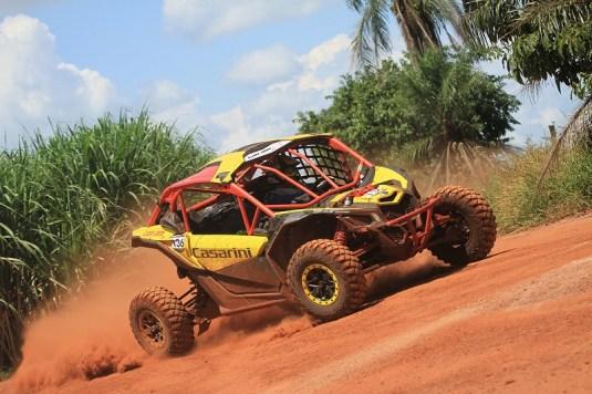 Deninho Casarini, atual campeão do Rally da Ilha, a bordo do novo UTV Can-Am Maverick X3 X RS Crédito: Luciano Santos/DFotos