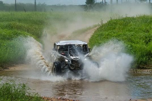 Francinei Costa/Décio Benevides a bordo do Can-Am Maverick X3 X RS no Rally RN 1500 Crédito: Doni Castilho/DFotos