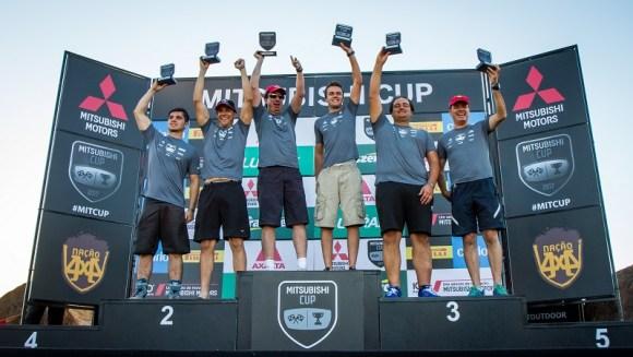 No fim de cada etapa, os melhores sobem ao pódio e são premiados. Foto: Adriano Carrapato/Mitsubishi
