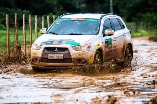 Veículos 4x4 da Mitsubishi superam todos os desafios. Foto: Tom Papp / Mitsubishi