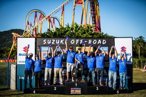 Campeões comemoram no pódio (Tom Papp / Suzuki)