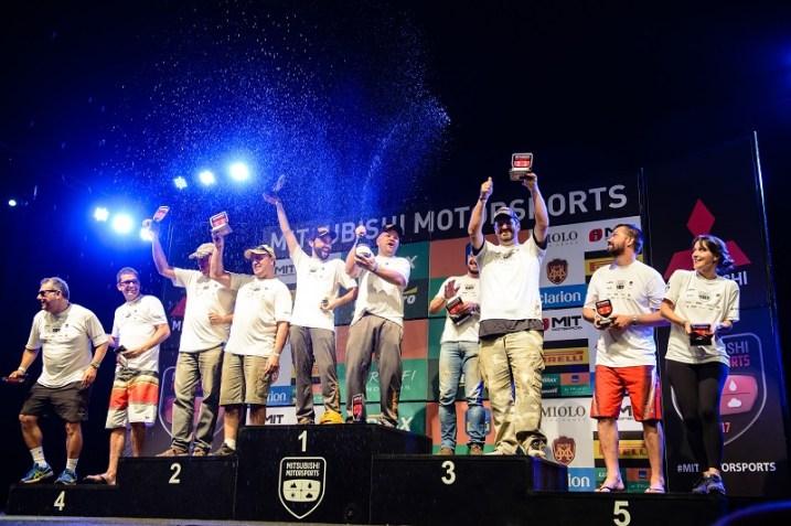 Os melhores do dia comemoram no pódio. Foto: David dos Santos Jr / Mitsubishi