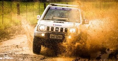 Suzuki Off-Road desafia os competidores. Foto: Tom Papp / Suzuki