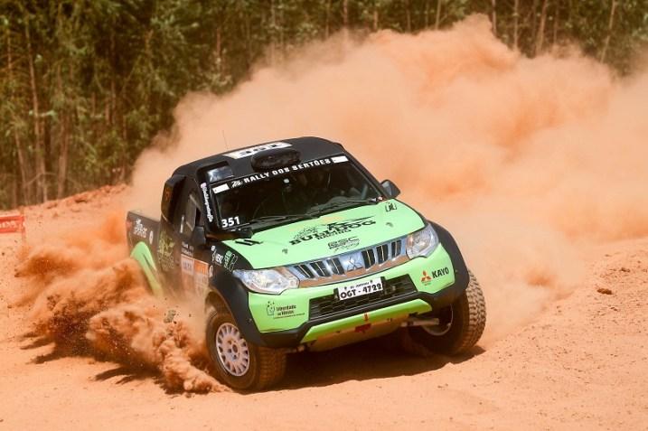 O Rally dos Sertões 2017 começou com um prólogo de 6 quilômetros (Marcelo Machado/Fotop)