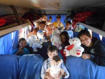 No ônibus escolar (Divulgação)