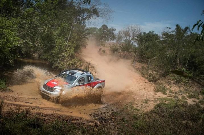Nesta temporada, Facco pilota uma Mitsubishi Triton Sport SR. Foto: Gustavo Epifânio/Fotop