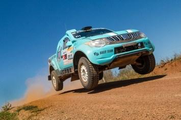 Glauber Fontoura e Minae Miyauti são campeões com a L200 Triton Sport RS. Foto: Doni Castilho / Fotop