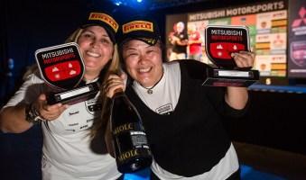 Sandra e Minae vencem na Turismo. Foto: Tom Papp / Mitsubishi